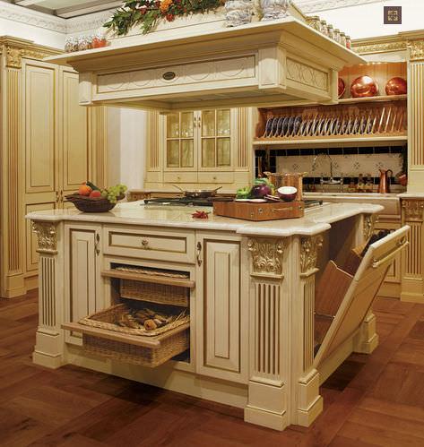 cucina classica in legno con isola royal luxury by franco scalco faoma