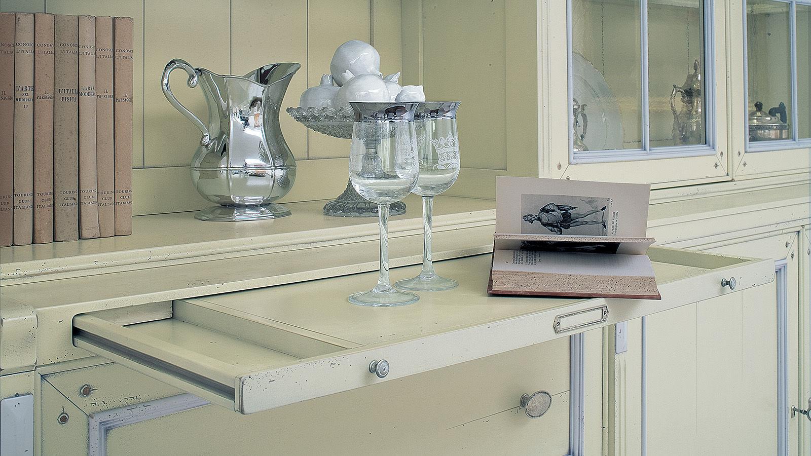 Credenza Con Cucina Incorporata : Credenza con alzata in stile legno laccato the doge s rooms