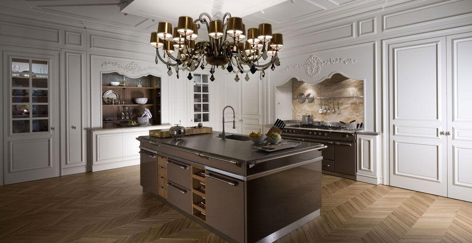 Boiserie Da Cucina : Cucina classica in legno laccato con isola con impugnature