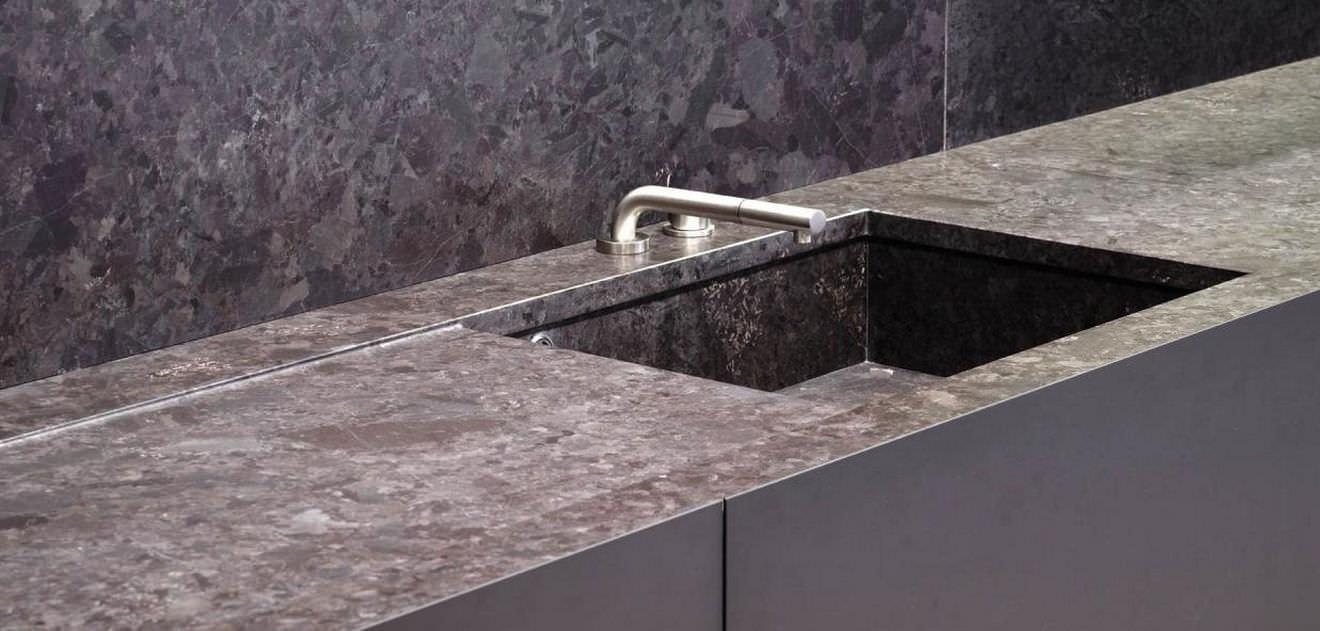 Cucina moderna / in pietra / senza maniglie - MAYA by Silvano ...