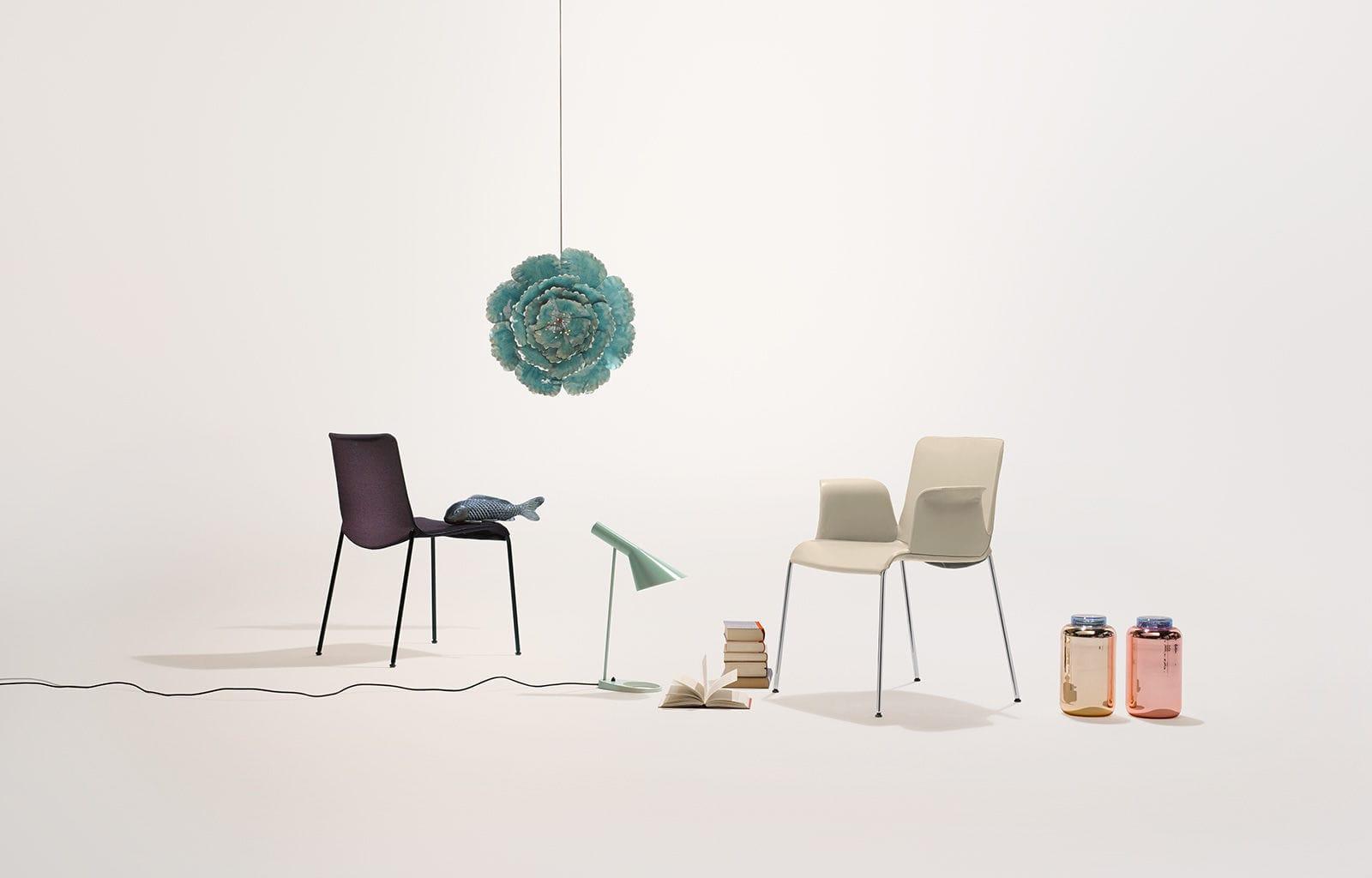 Sedia moderna con braccioli in tessuto in legno liz by