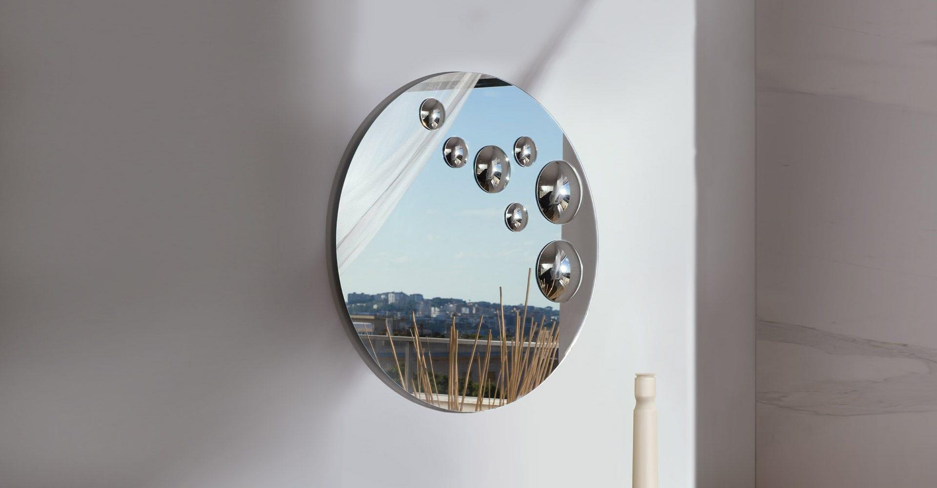 Specchio a muro moderno ovale in alluminio le sfere by luca