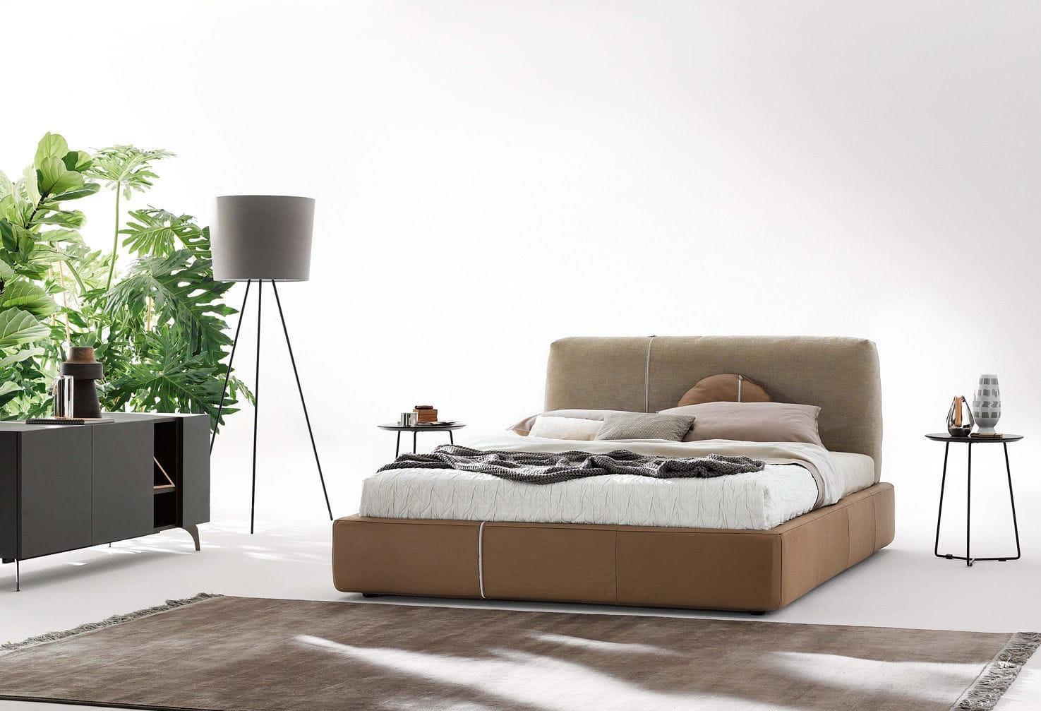 Letto matrimoniale / moderno / in tessuto / 180x200 cm - SANDERS by ...