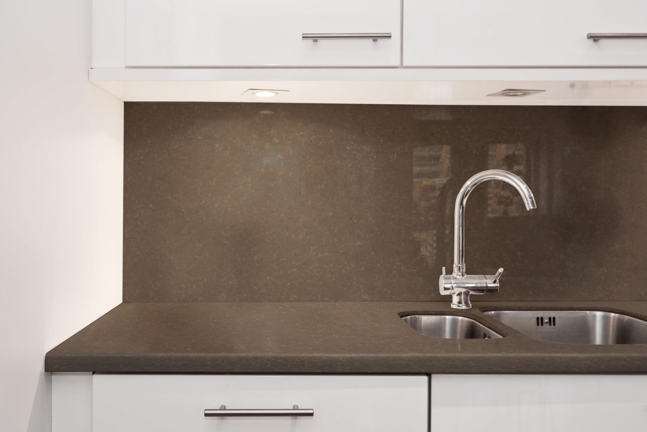 Piano di lavoro in Silestone® / in quarzo / da cucina - IRON BARK ...