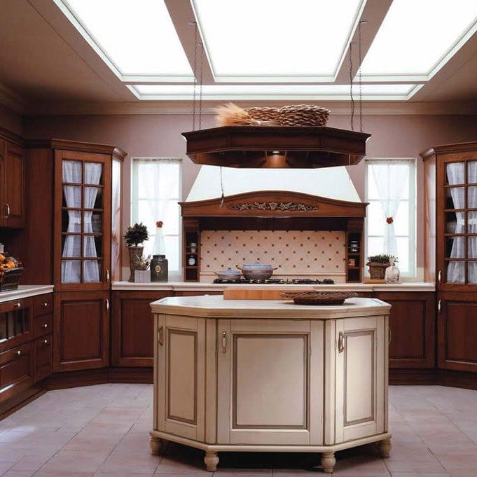 Cucina classica / impiallacciata in legno / in legno / con isola ...
