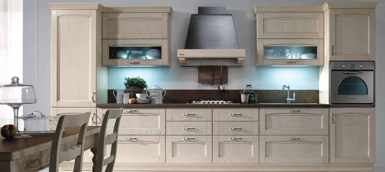 Cucina classica / in legno / con impugnature - VERONA - Torchetti Cucine