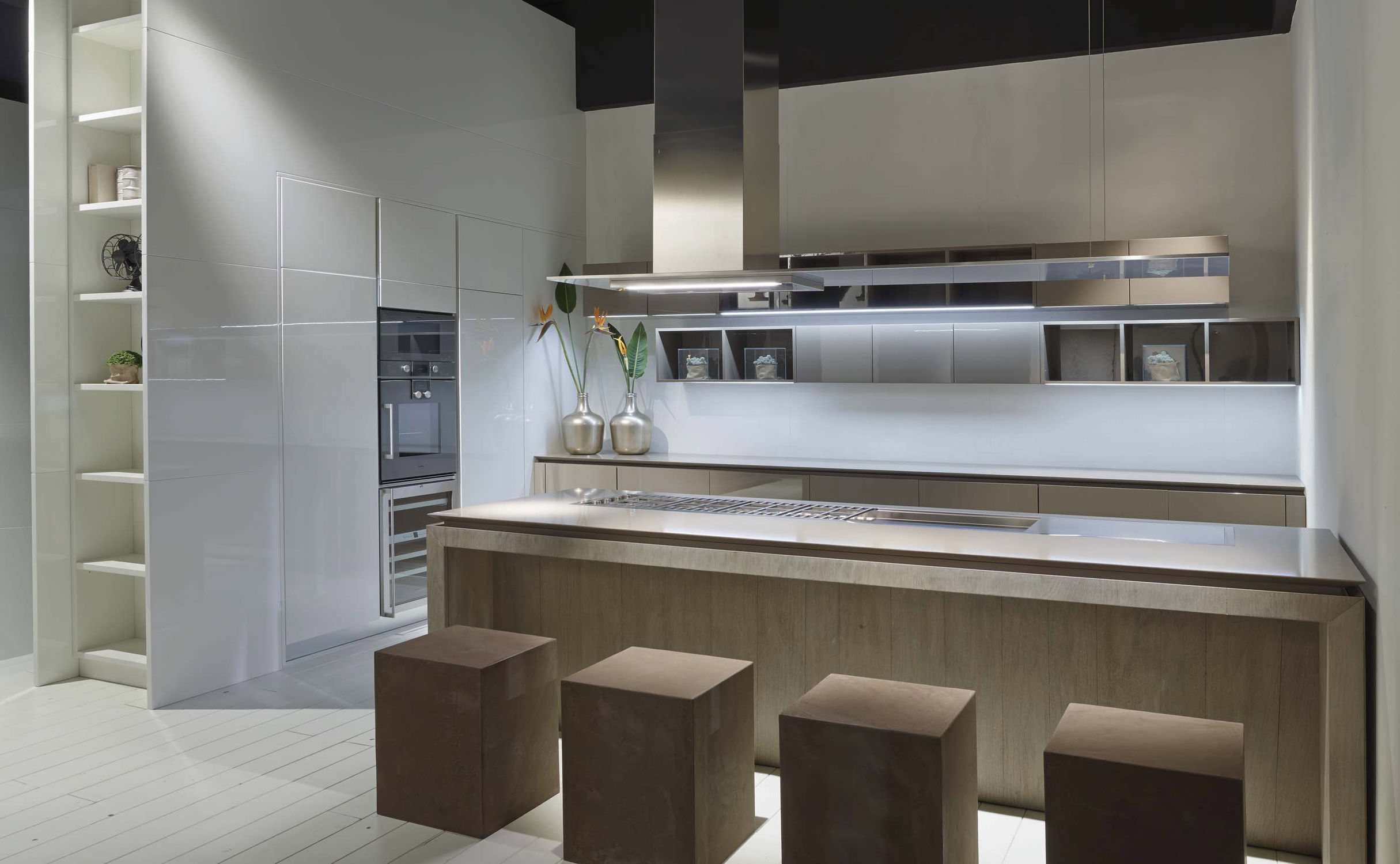 Cucina moderna / impiallacciata in legno / con isola / laccata - FLY ...