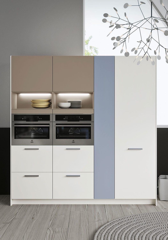 Cucina moderna / in legno / con isola / con impugnature - CODE by ...