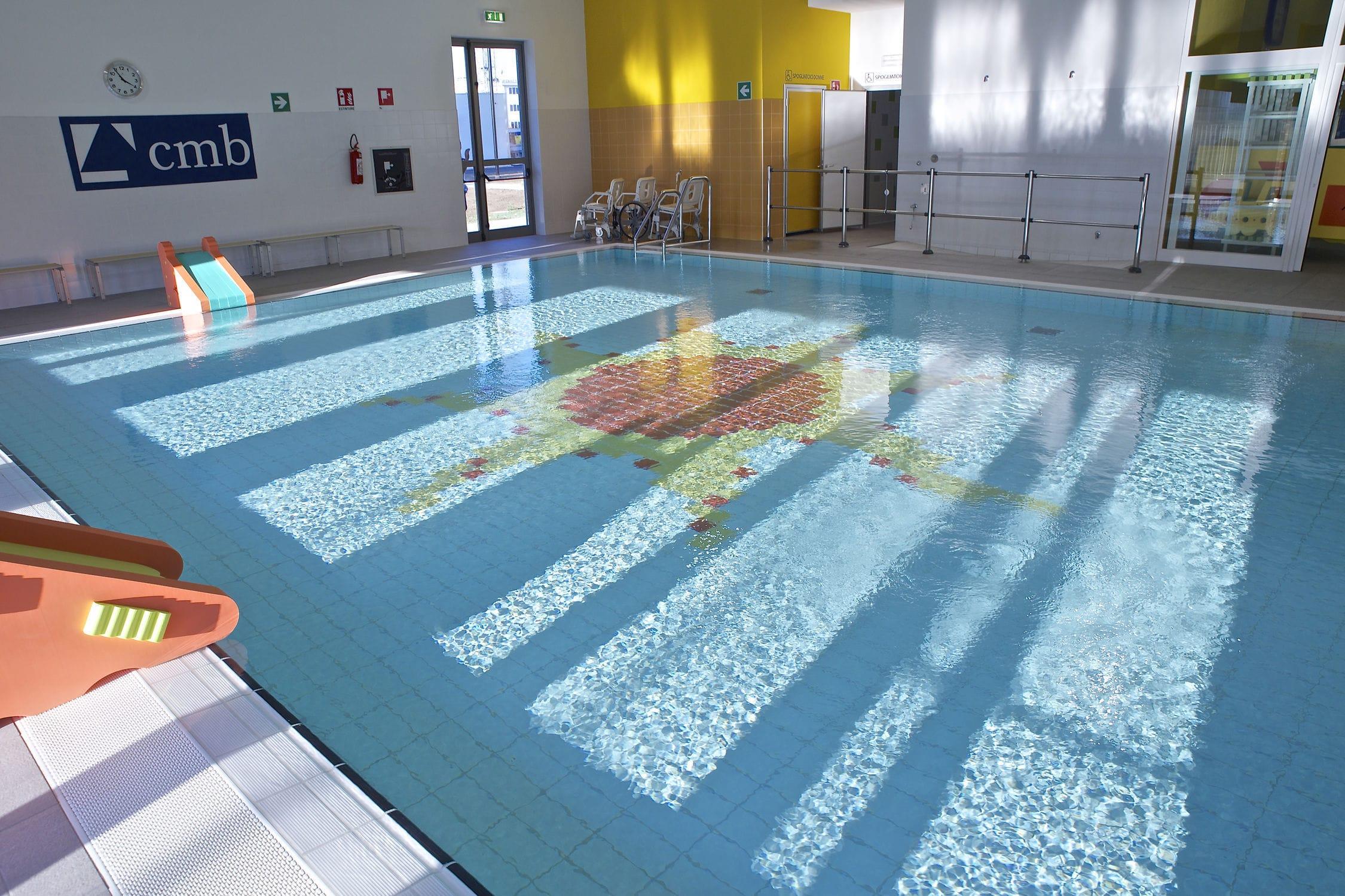 Piastrella per piscina per pavimento in gres porcellanato a
