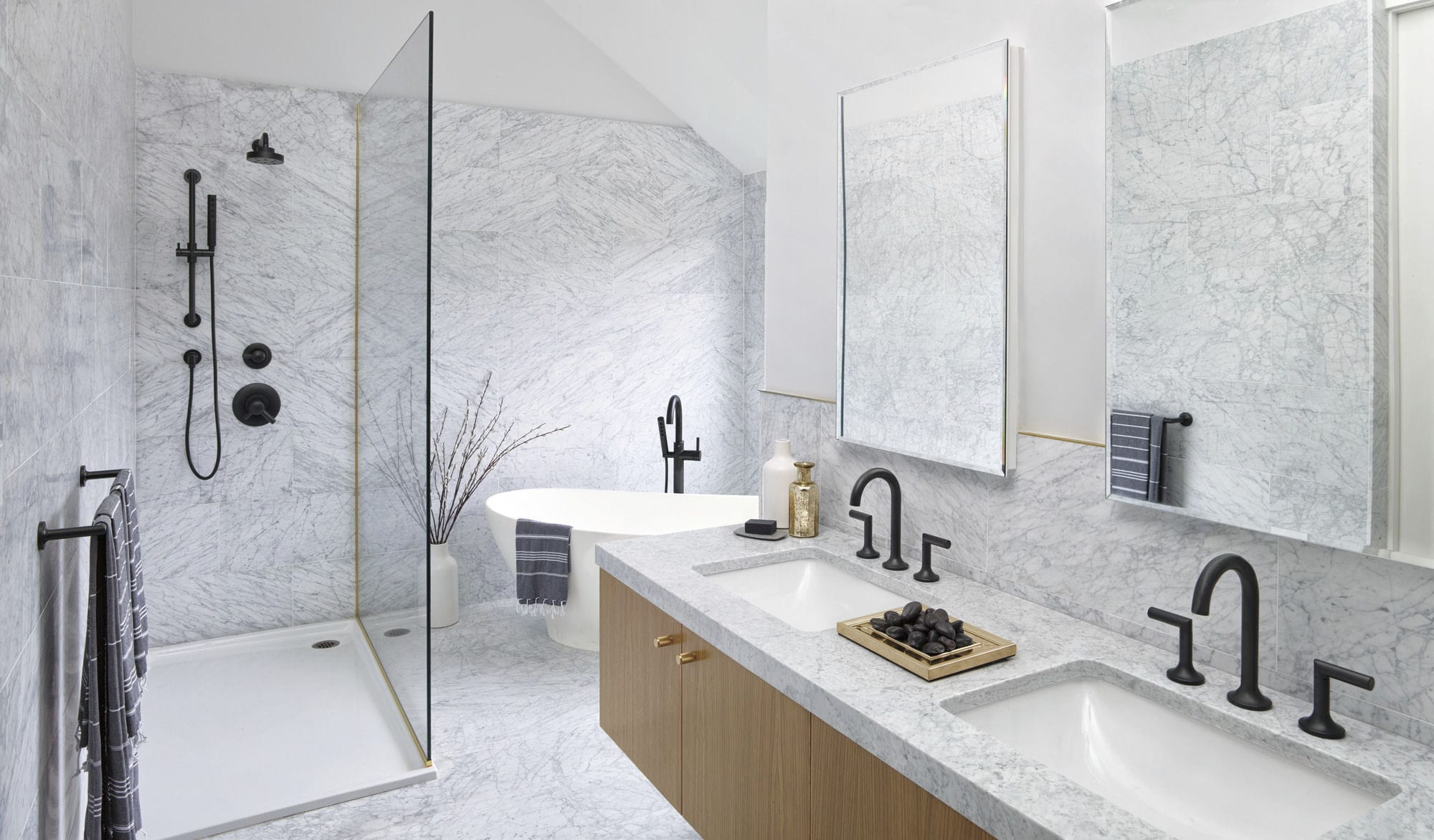 Set doccia da incasso a muro classico con soffione fisso