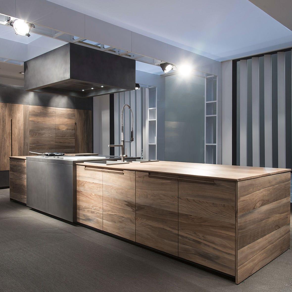 Cucina moderna / in faggio / in acciaio / con isola - ESSENCE - TONCELLI