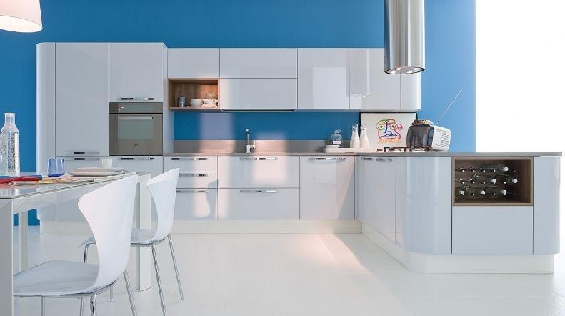 Cucina moderna / in legno / laccata / lucida - EXTRA TONDA - VENETA ...