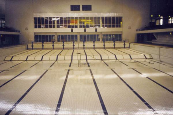 Fondi Mobili Per Piscina : Fondo mobile per piscina terapeutica fondo mobile myrtha pools