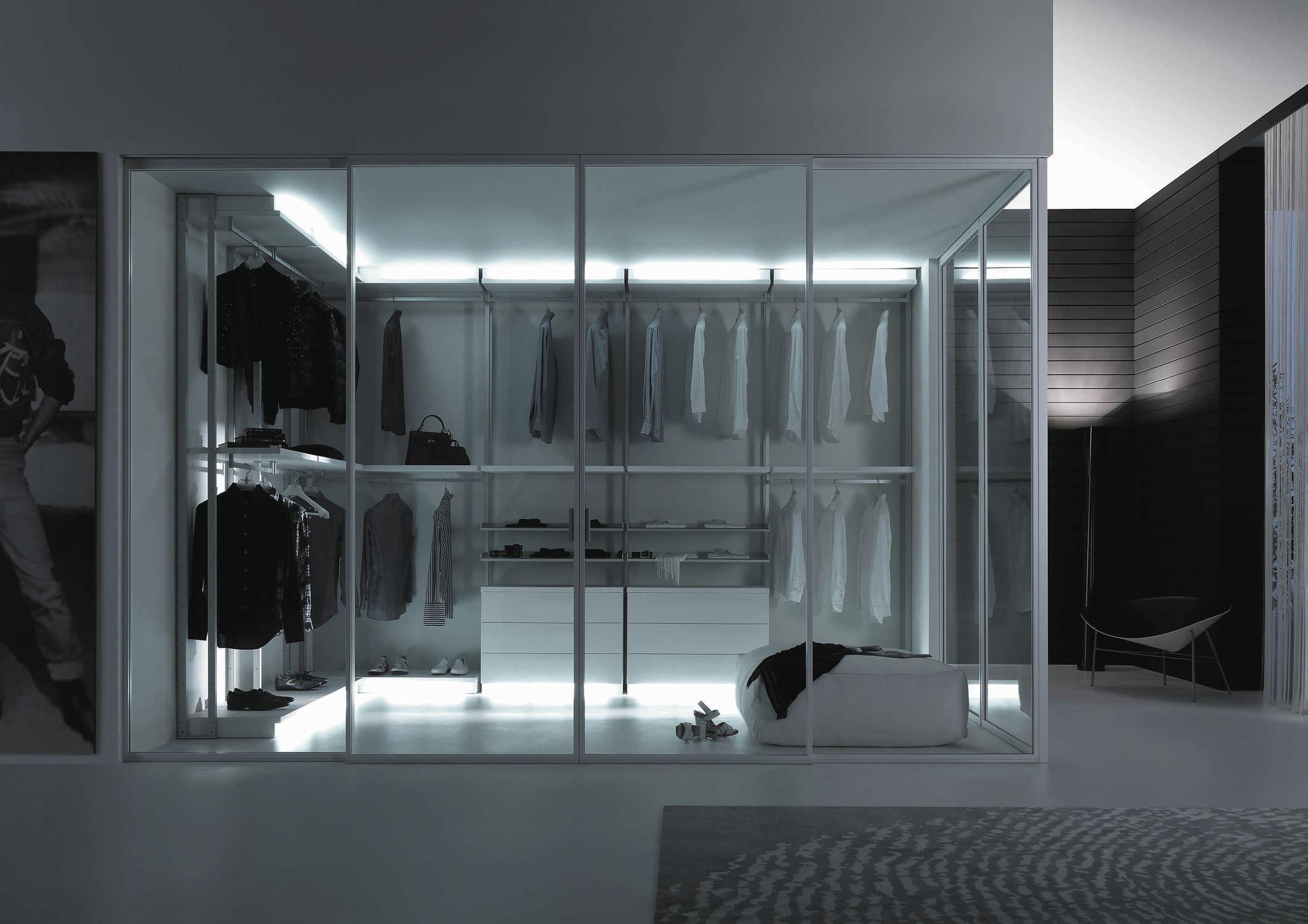 Cabina armadio moderna / in legno / con porta scorrevole - TWIN by ...