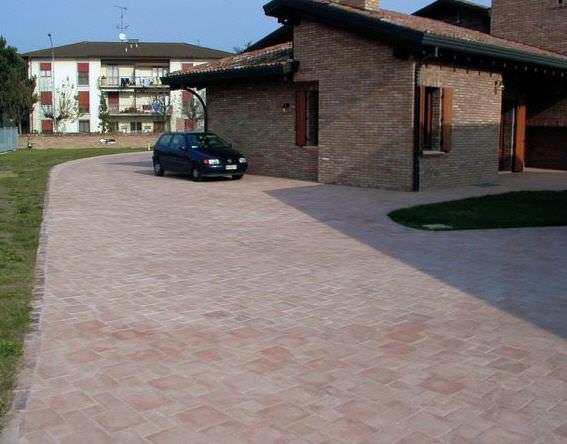 Piastrella da esterno per pavimento in pietra ricostituita