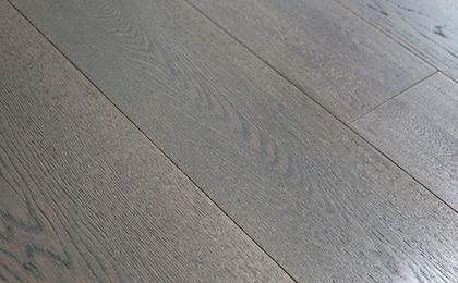 Pavimenti In Rovere Grigio : Parquet multistrato flottante in legno spazzolato rovere