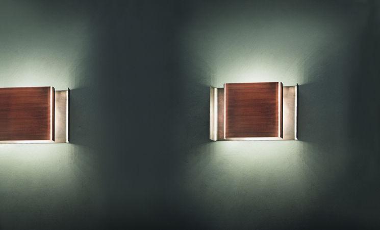 Applique moderna in metallo verniciato in legno led alalunga
