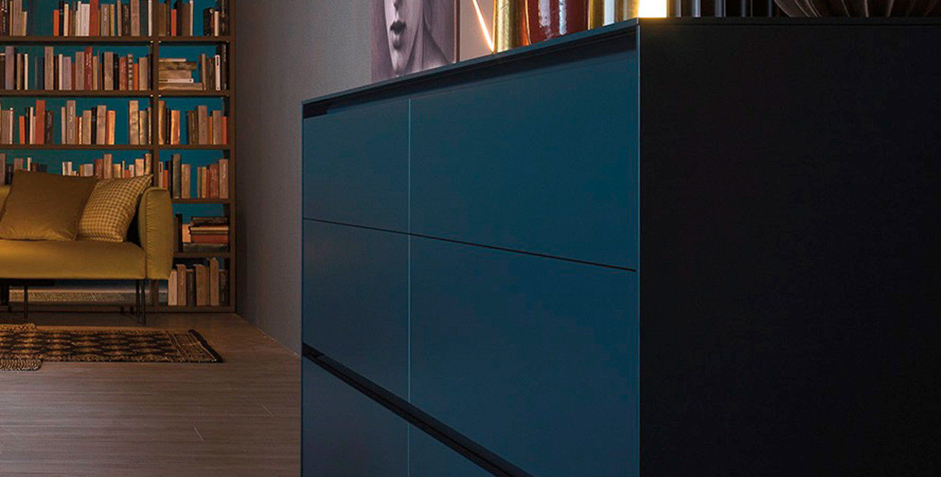 Credenza Moderna Laccata Nera : Credenza moderna in legno laccato bianca nera