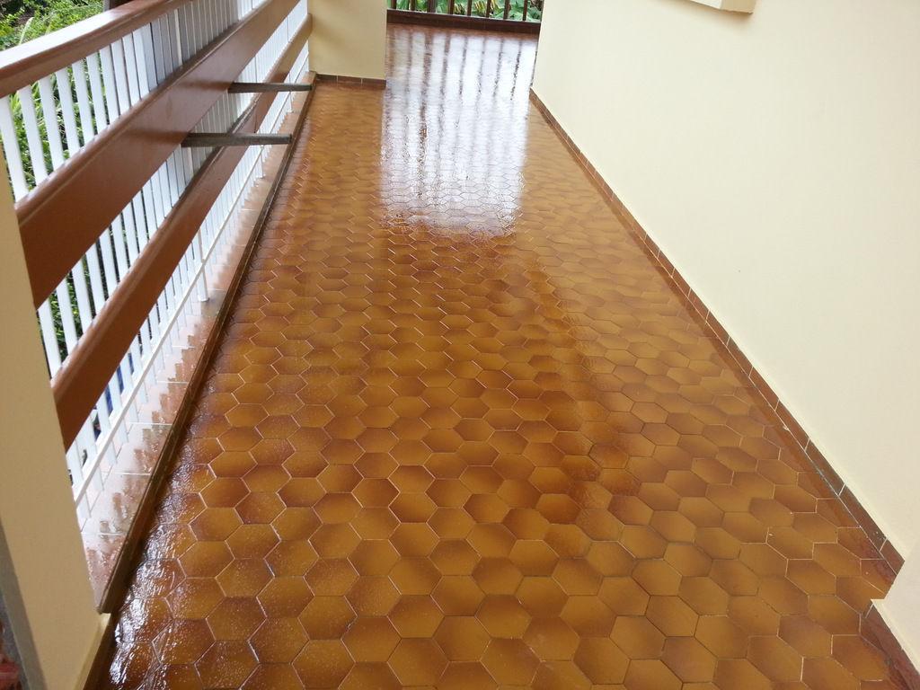 Guaina liquida impermeabilizzante per terrazza / per balcone ...