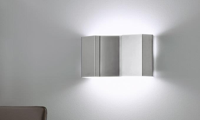 Applique moderna in acciaio inossidabile a lampada