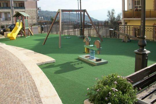 Pavimento In Gomma Per Bambini : Pavimento in gomma per parco giochi testurizzato aspetto