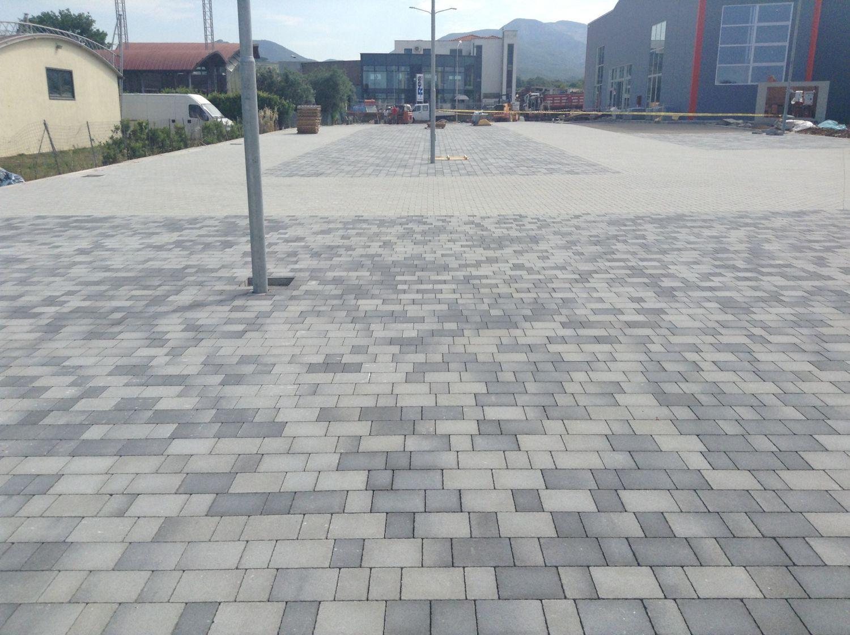 Pavimentazione In Terracotta Carrabile Per Spazio Pubblico