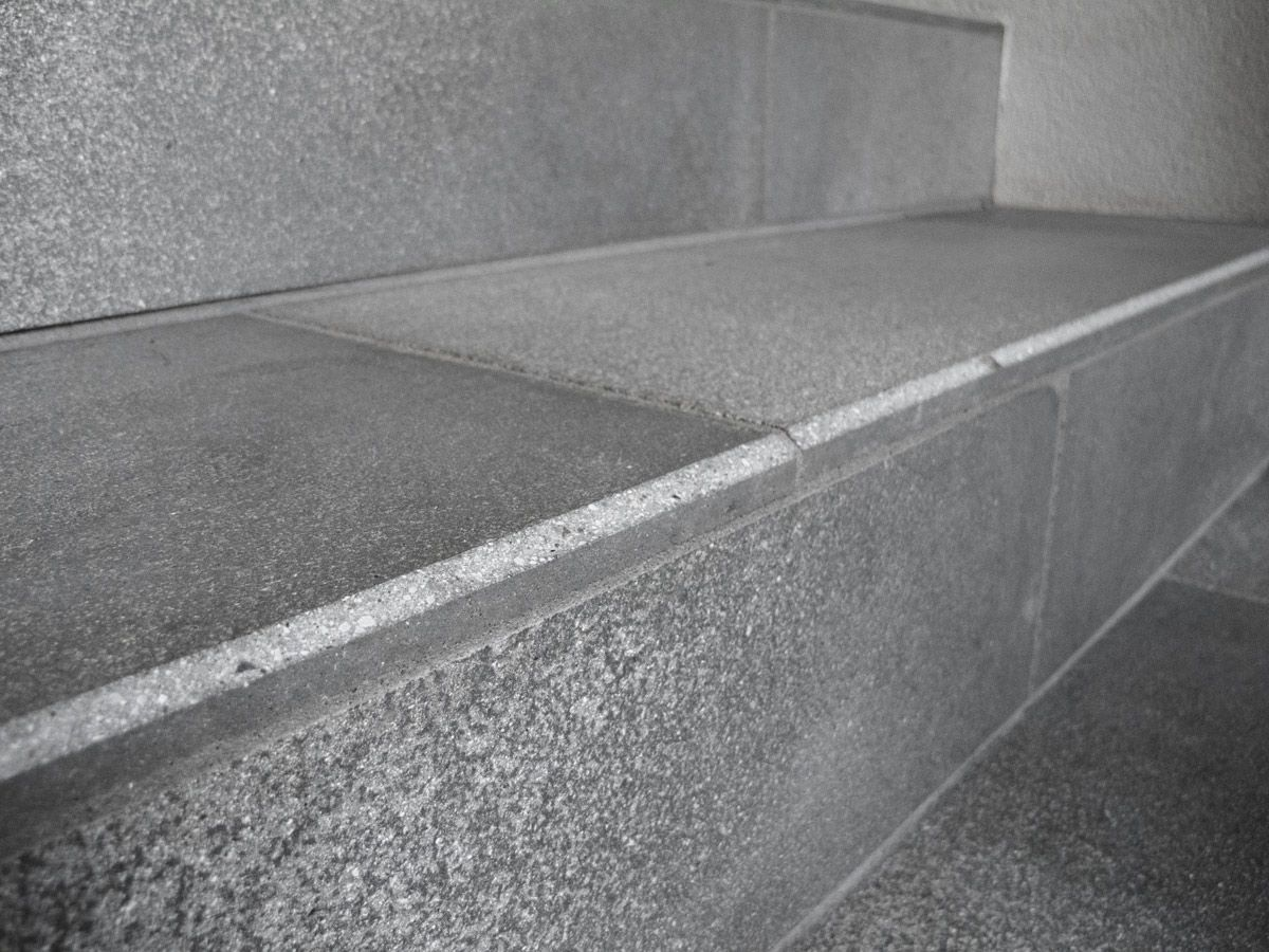 Ben noto Scala dritta / con gradini in pietra / con alzata / moderna - FAVARO1 HC61