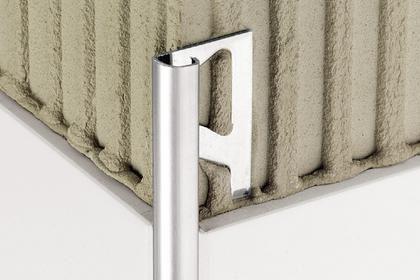 Profilo di finitura in acciaio inox per piastrelle angolare