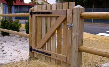 Cancelletto In Legno : Cancelletto in legno rondino