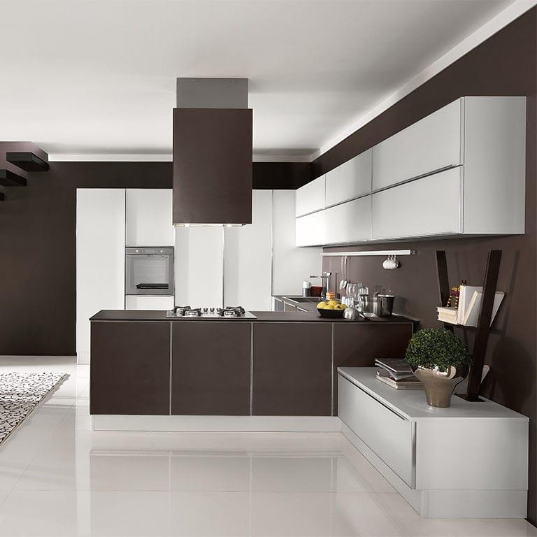 Cucina moderna / impiallacciata in legno / con isola / tonda ...
