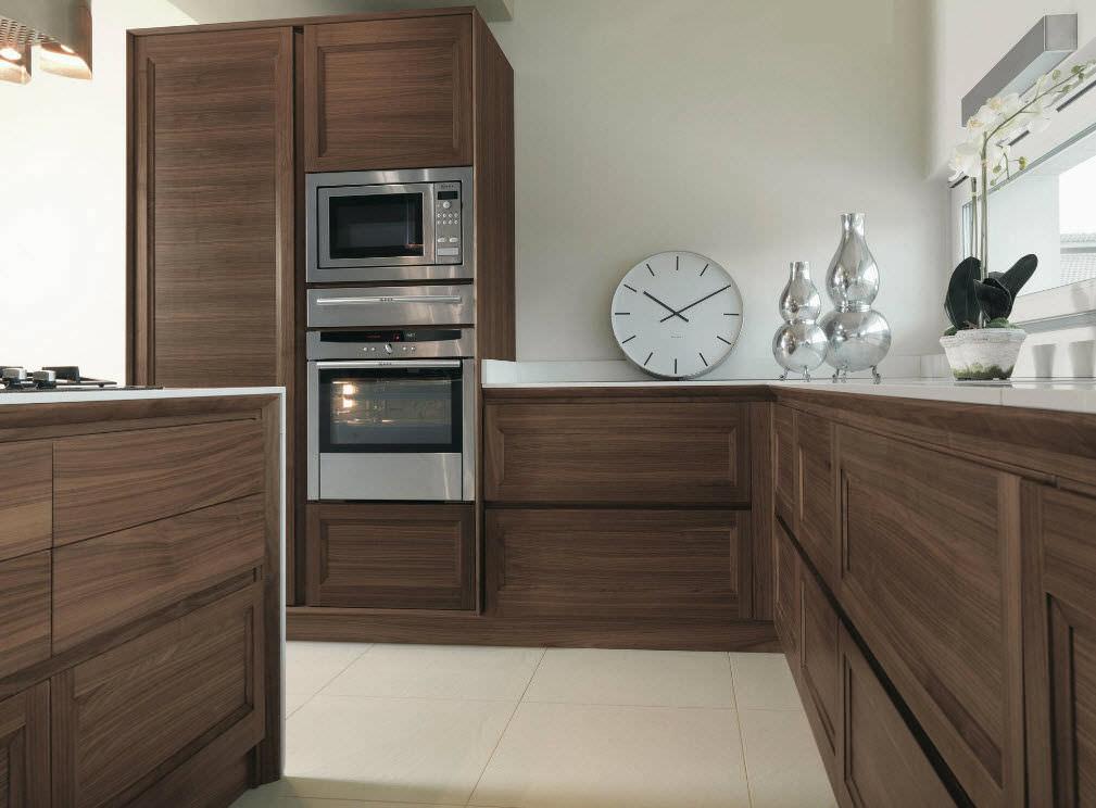 Cucina moderna / impiallacciata in legno / con isola - Arte ...