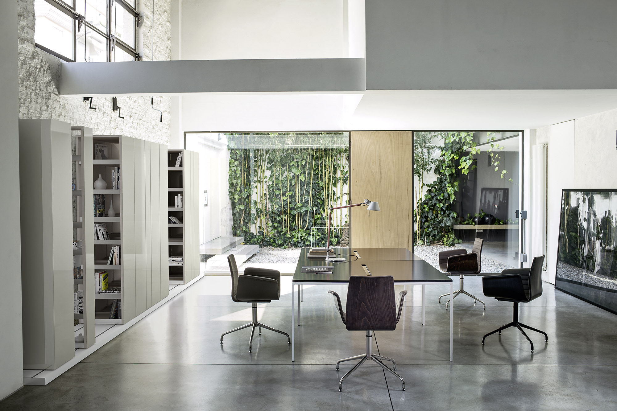 Sedie A Rotelle Schienale Alto : Sedia da ufficio moderna a schienale alto con rotelle