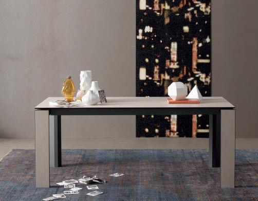Tavolo moderno in metallo laccato rettangolare allungabile