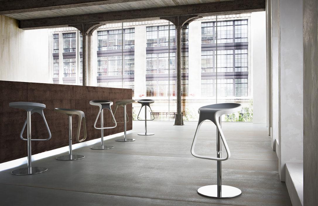Come abbinare tavoli e sgabelli regolabili correttamente emme italia