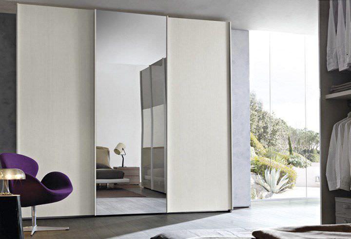 Armadio moderno / in legno / con porta scorrevole / a specchio - IL ...