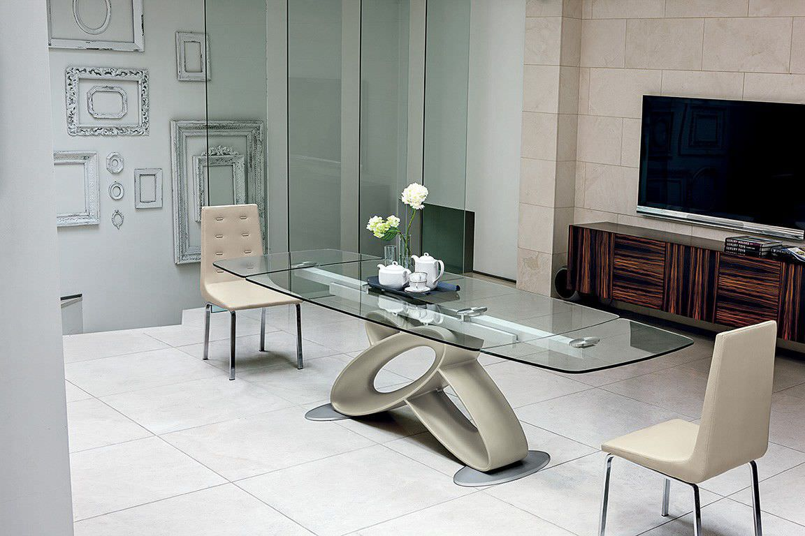 Tavolo da pranzo moderno / in vetro temprato / in poliuretano ...