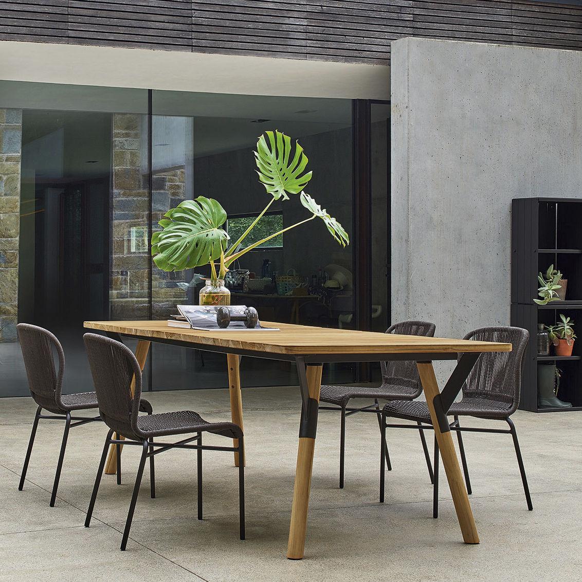 Sedia moderna in alluminio verniciato in fibre sintetiche da