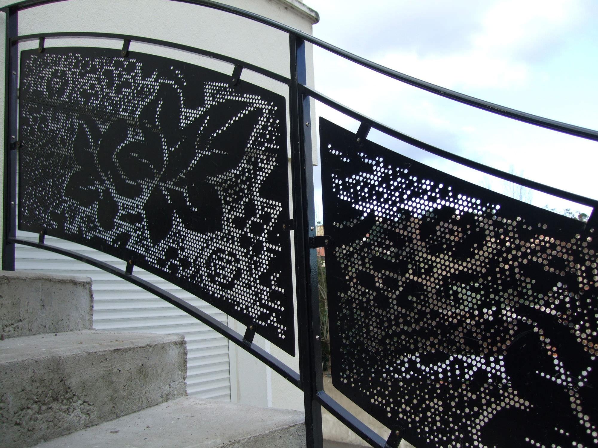 Favoloso Ringhiera in metallo / in lamiera forata / da esterno / per  YR15
