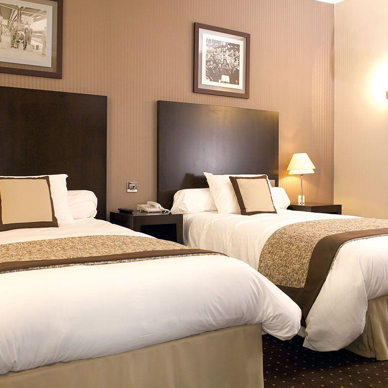 Testiera per letto singolo / moderna / in legno / per camera d\'hotel ...