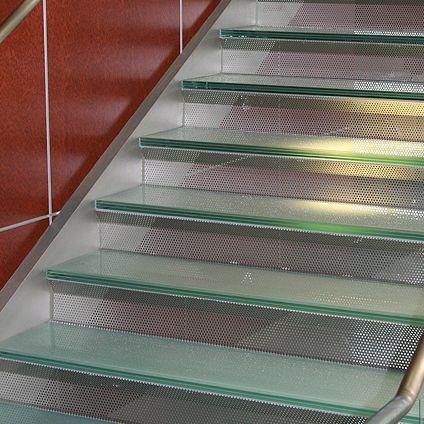 Scala a U / dritta / con gradini in vetro / struttura in metallo ...