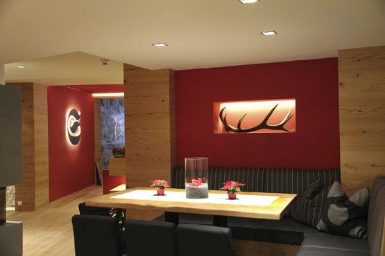 Applique design originale in metallo led per hotel