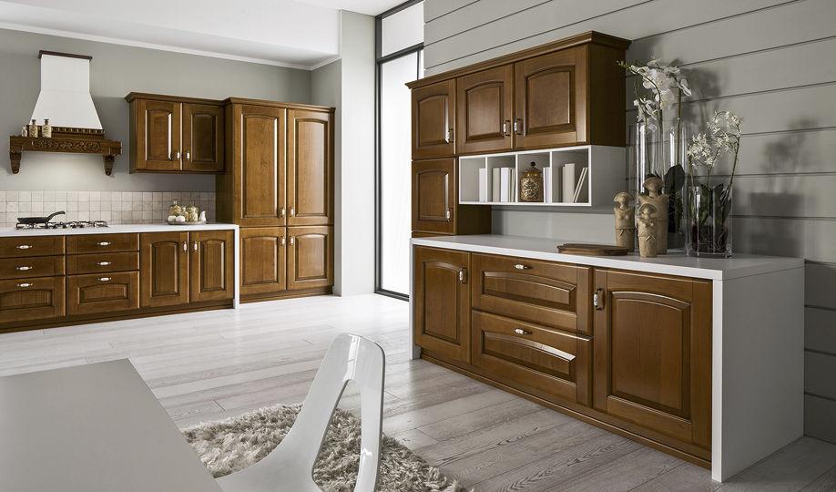Cucina classica / in legno massiccio / in legno / con impugnature ...