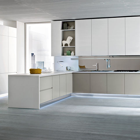 Cucina moderna / impiallacciata in legno / a L / laccata - FLO ...