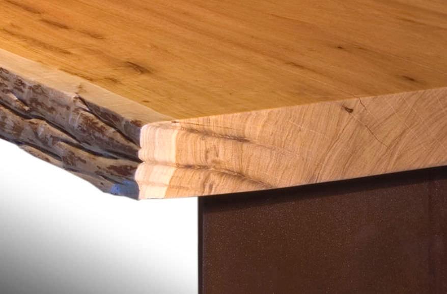 Ripiani In Legno Grezzo : Tavolo moderno in legno rettangolare in materiale di recupero