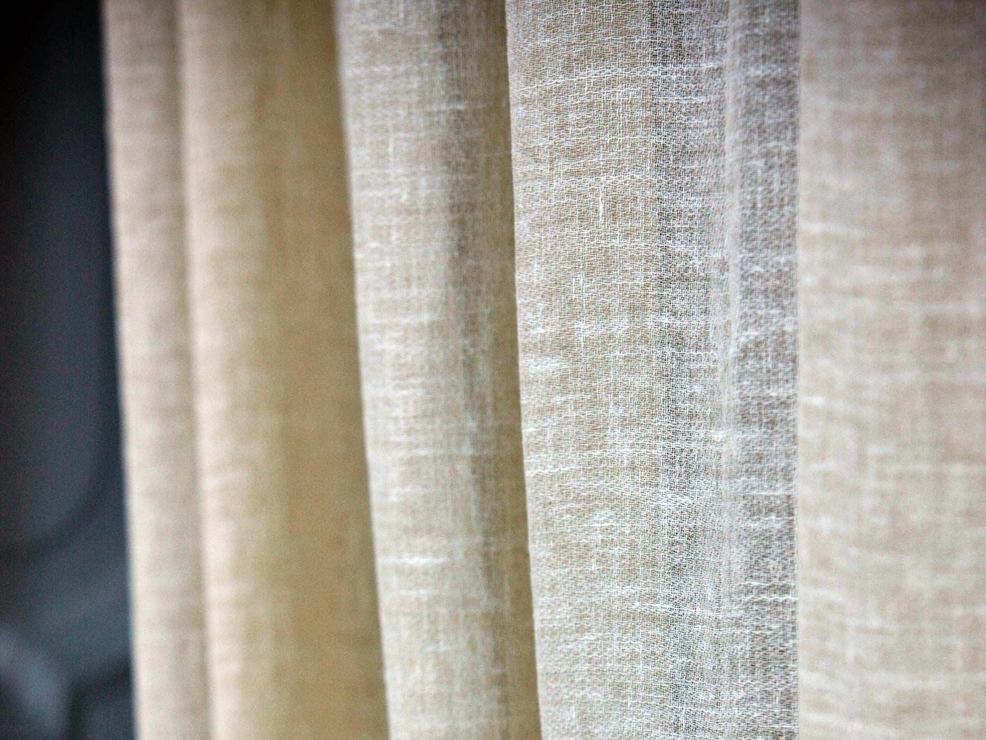 Tessuto per tende a tinta unita in lino light linolana