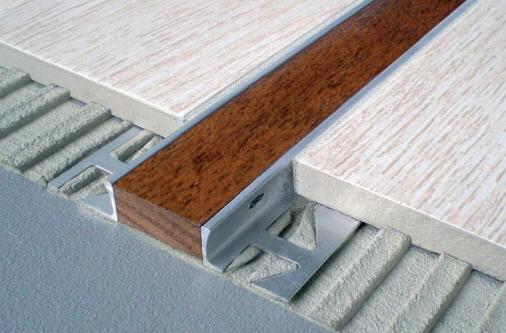 Profilo di separazione in legno in alluminio per piastrelle