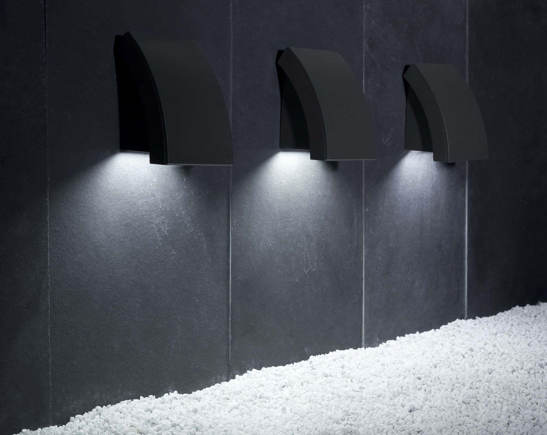 Plafoniere Moderne Per Esterno : Plafoniera quadrata per esterno in gesso o cemento nadir