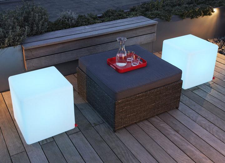 Tavolo Cubo Da Giardino.Tavolo D Appoggio Moderno In Polietilene Cubo Da Giardino