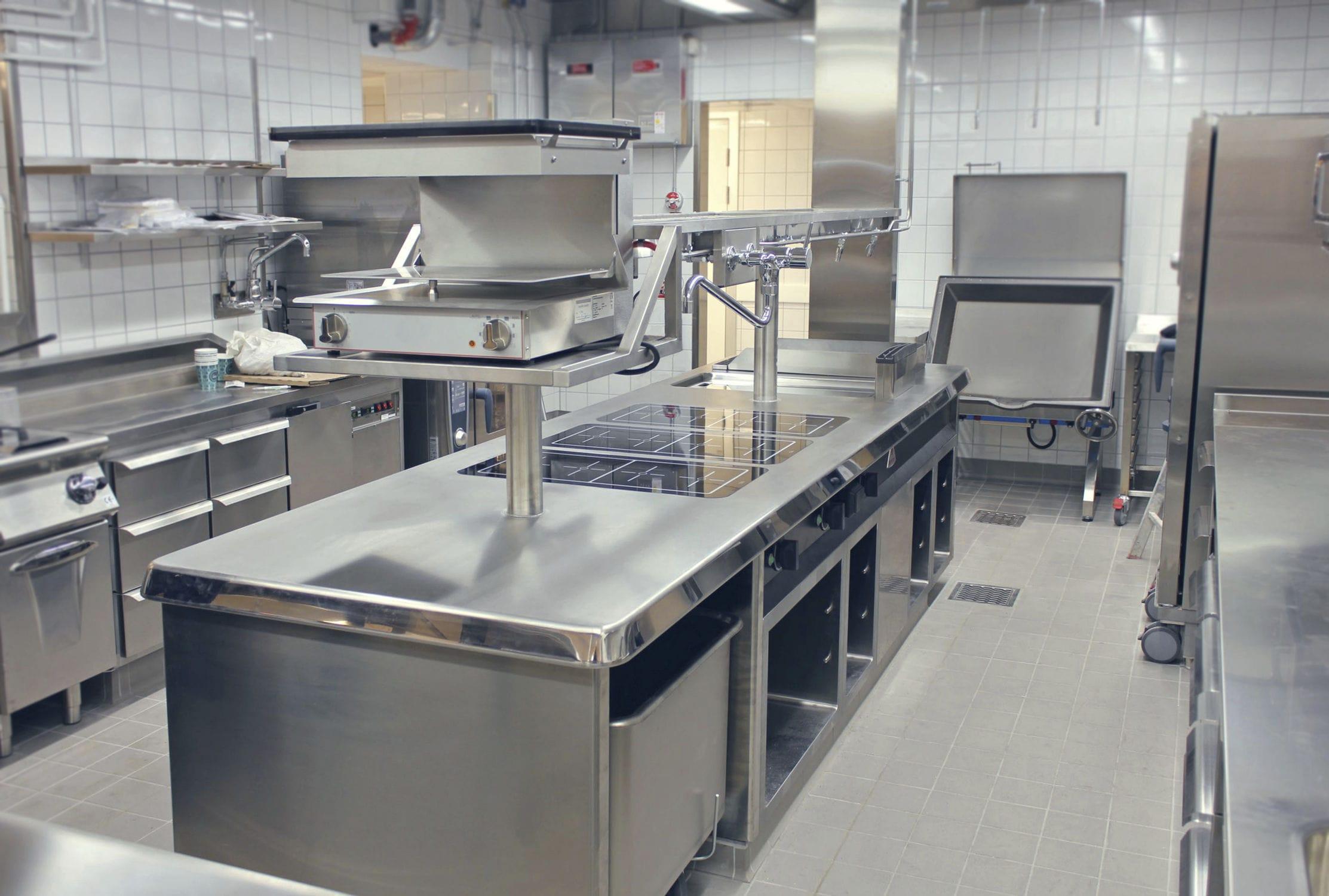 Cucina moderna / in acciaio inox / modulare / professionale ...