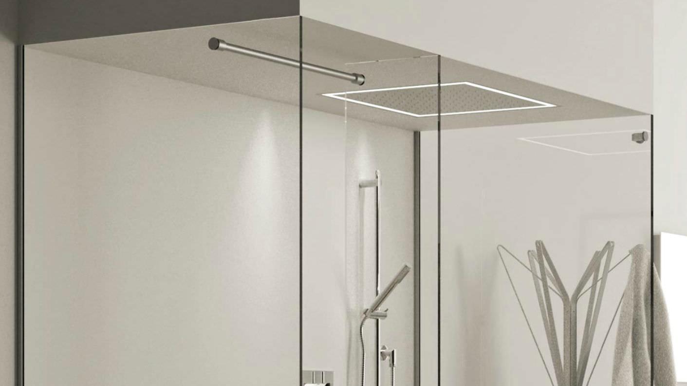 Soffione doccia da incasso a soffitto rettangolare con